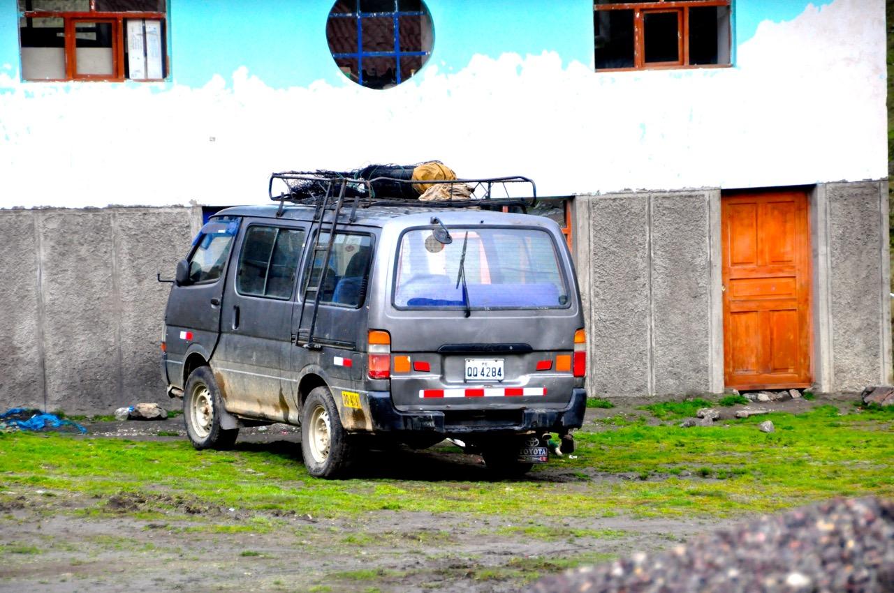 The Van that took us to Tinki