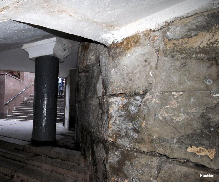 Foundation of Old Kitay Gorod at Metro