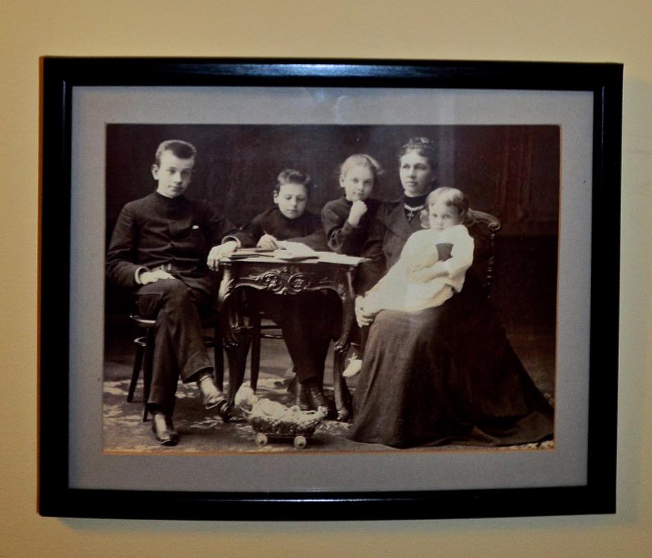 Leo Tolstoy Pic 2 Family