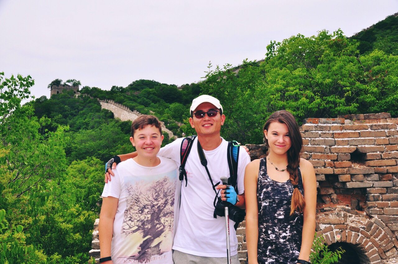 Cheney with Reka and Lalika on Great Wall Hiking Tour