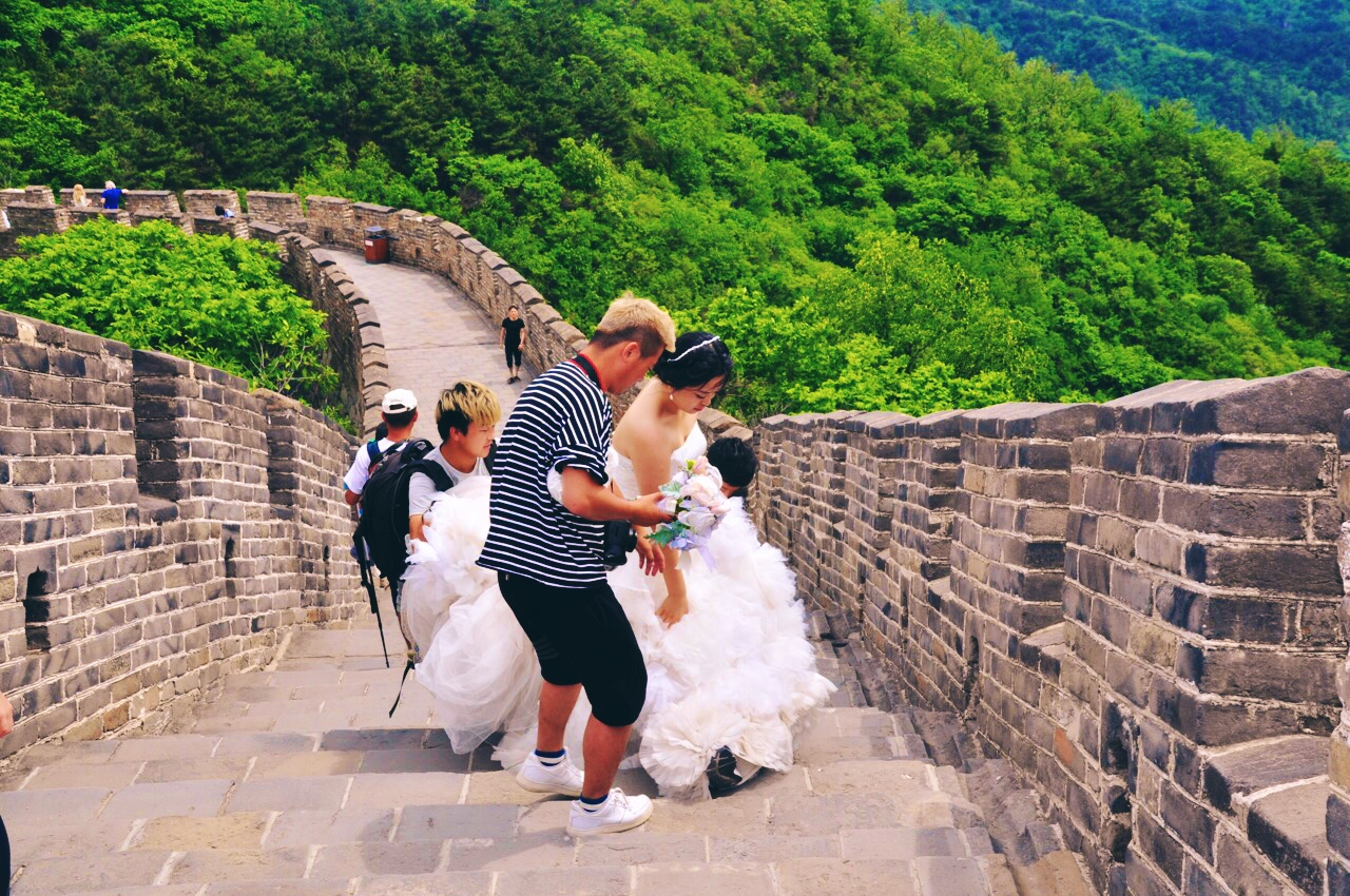 Bride on The Great Wall Of China