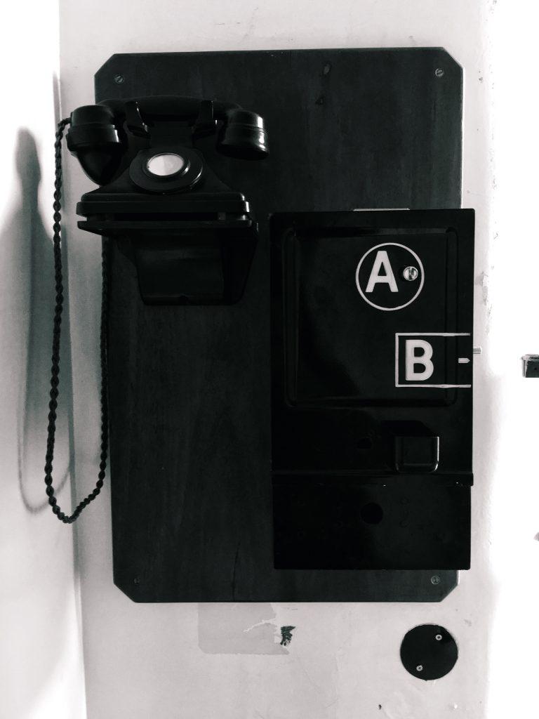 eltham-bunker-phone