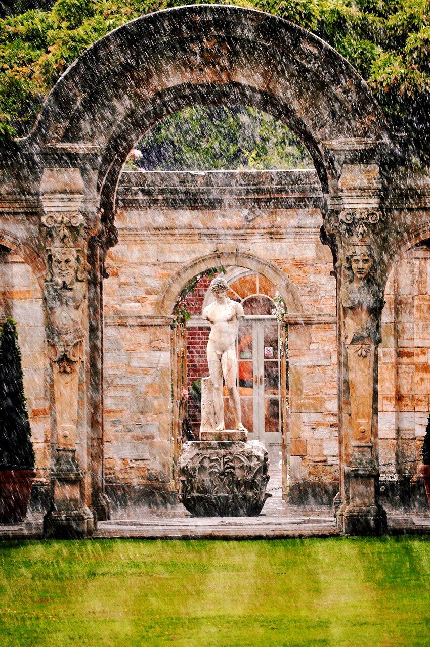 hevers-roman-garden
