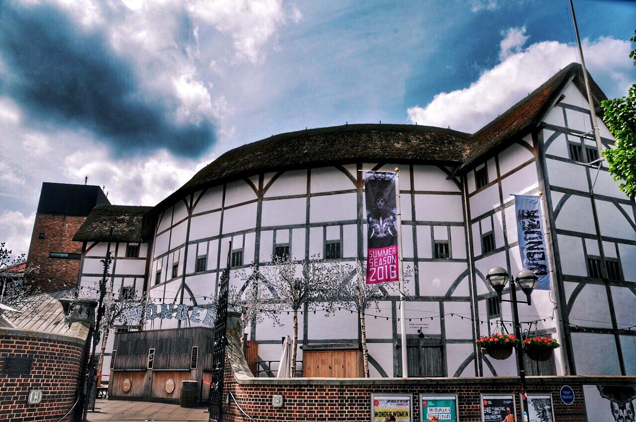 shakespears-globe-theatre