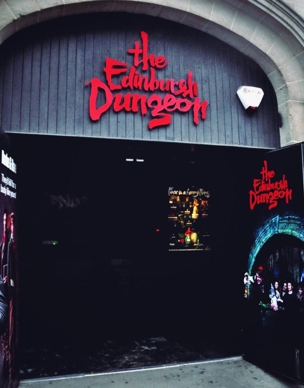 edinburgh-dungeon-outside-view